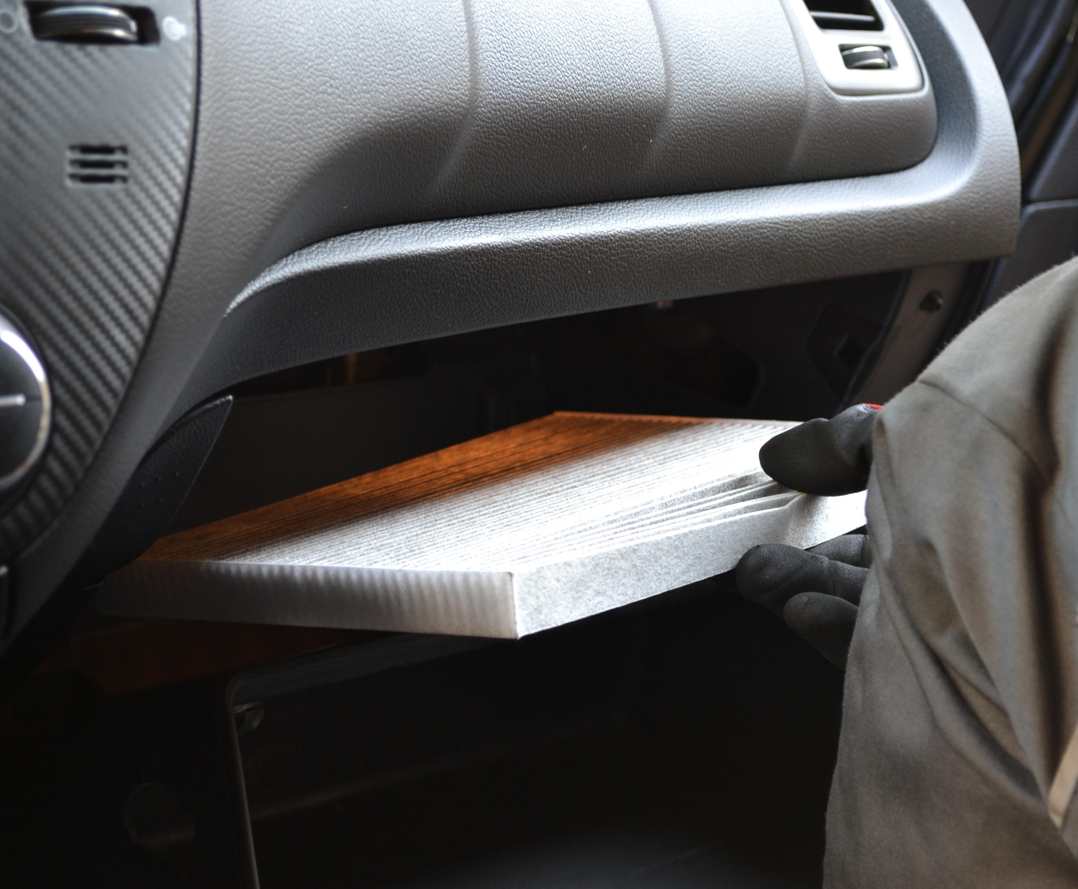 فیلتر تهویه یا فیلتر کابین خودرو